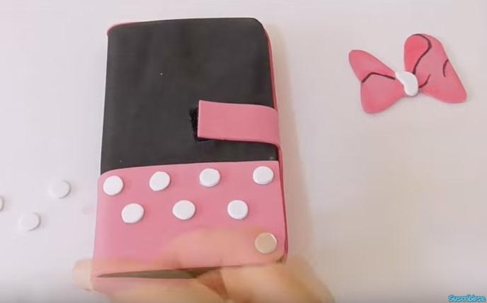 Funda-de-Celular-Minnie-Mouse-de-Goma-Eva-decorado