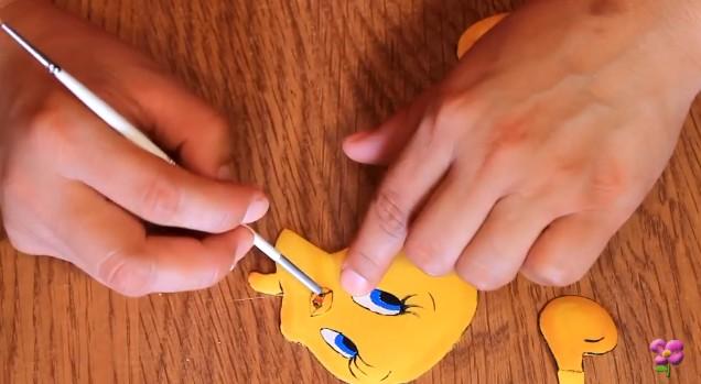 Muñeco de Piolin en goma eva 11