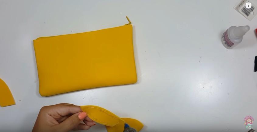 Cartuchera de Pikachu en goma eva 10