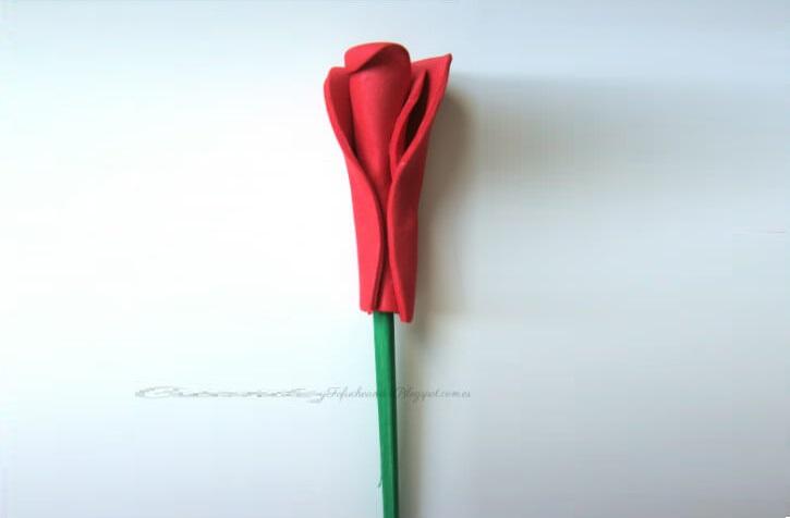 Rosas-de-Goma-Eva-Enrolla