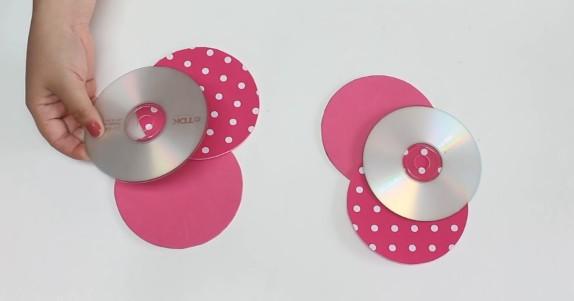 Porta cosmeticos con goma eva y CD 3
