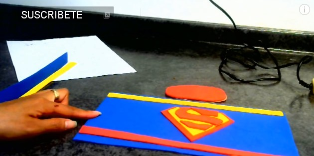 dulceros-de-superman-con-goma-eva-1