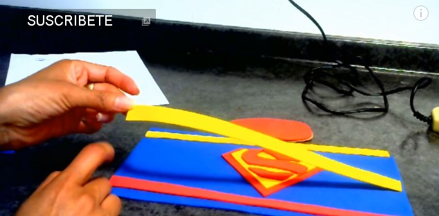 dulceros-de-superman-con-goma-eva-2