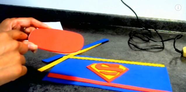 dulceros-de-superman-con-goma-eva-7