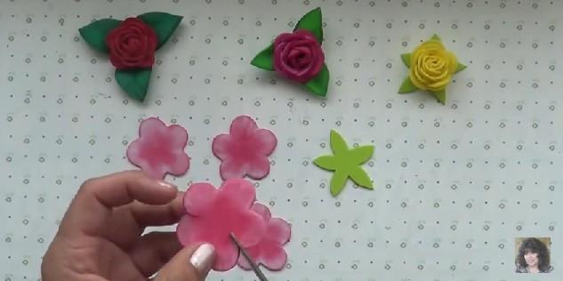 Rosas faciles de goma eva 5