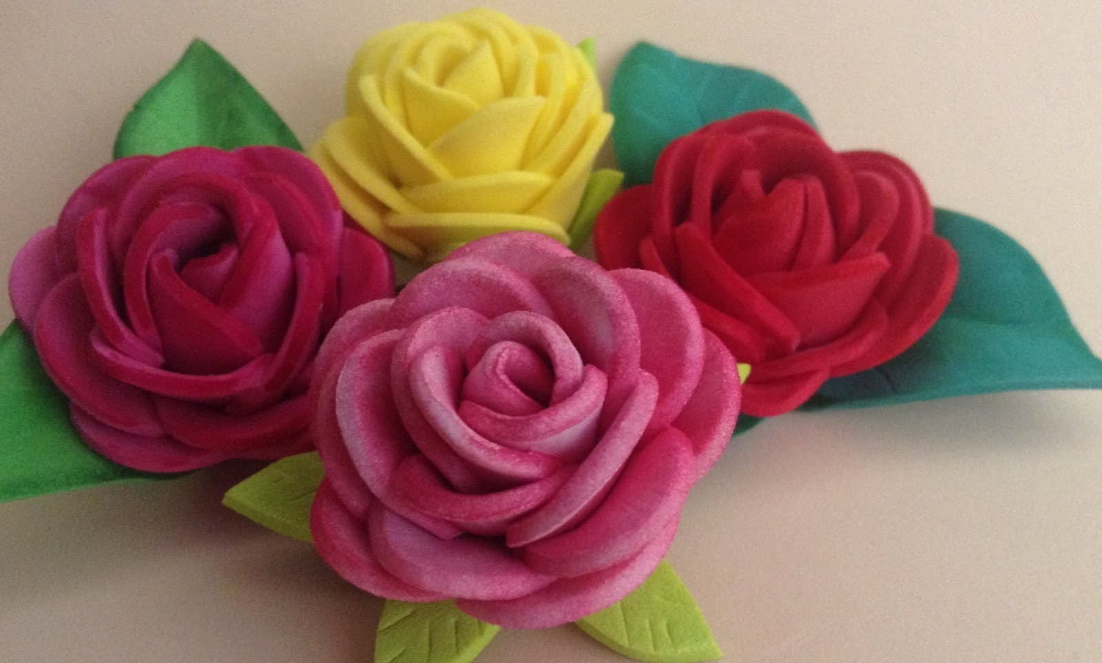 Rosas fáciles de goma eva