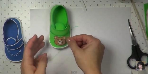 Zapatos de bebe en goma eva 11