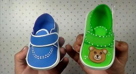 Zapatos de bebe en goma eva