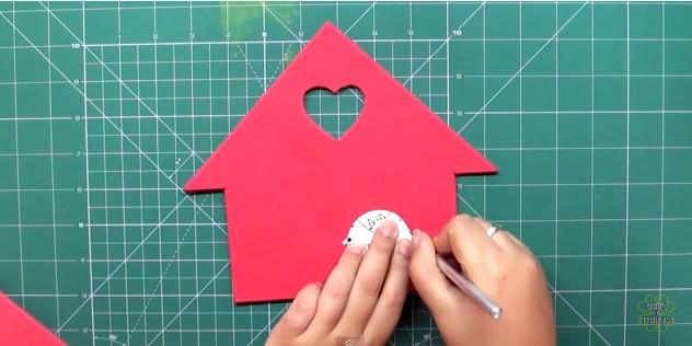 casa-de-pajaritos-de-goma-eva-para-organizar-llaves-5