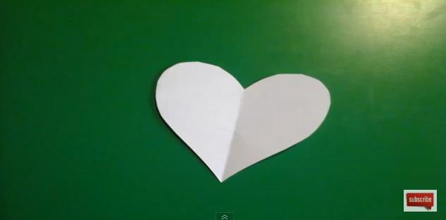 corazones-de-goma-eva-en-3d-3