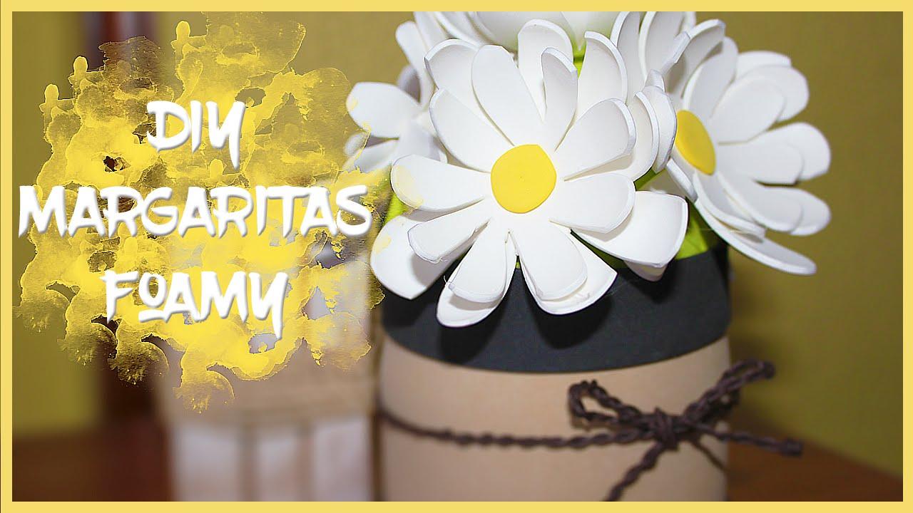 Flores margaritas en goma eva
