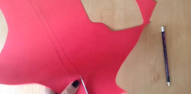 funda-de-movil-con-forma-de-labios-de-goma-eva-15