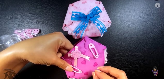 invitaciones-de-baby-shower-con-panales-de-goma-eva-17