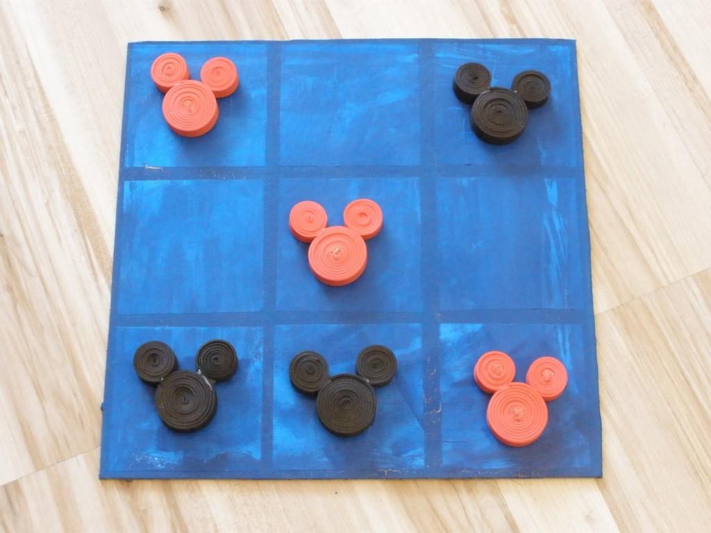 juego-3-en-raya-de-mickey-y-minnie-en-goma-eva