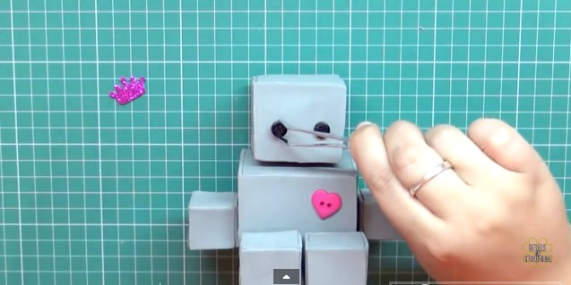 robot-de-goma-eva-10