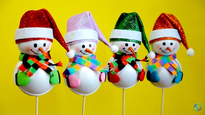 Muñeco de nieve para adornar en goma eva