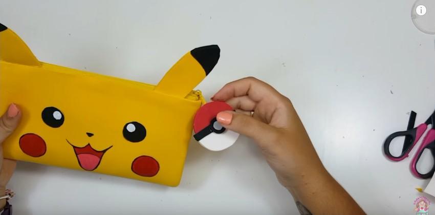 Cartuchera de Pikachu en goma eva 17