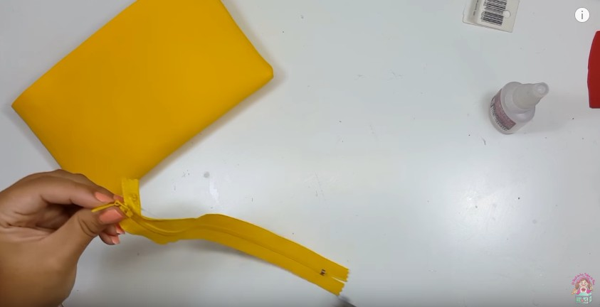 Cartuchera de Pikachu en goma eva 6