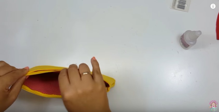 Cartuchera de Pikachu en goma eva 7