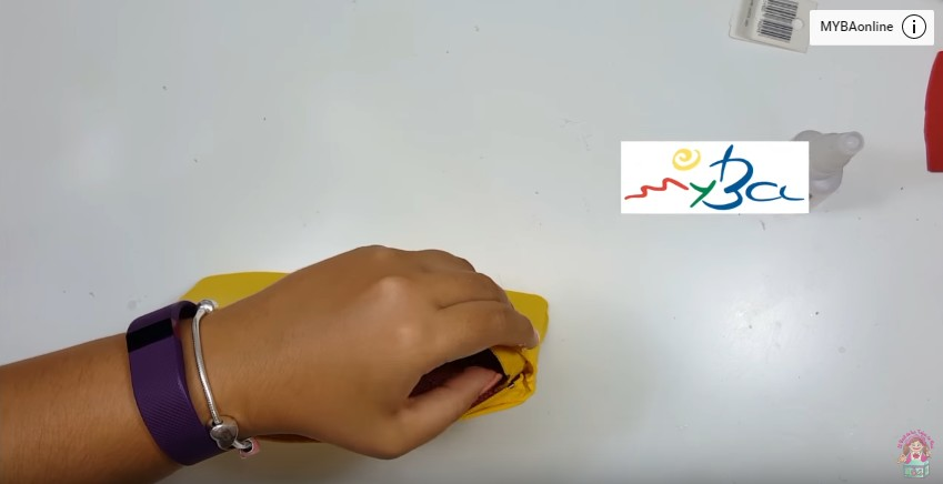 Cartuchera de Pikachu en goma eva 8