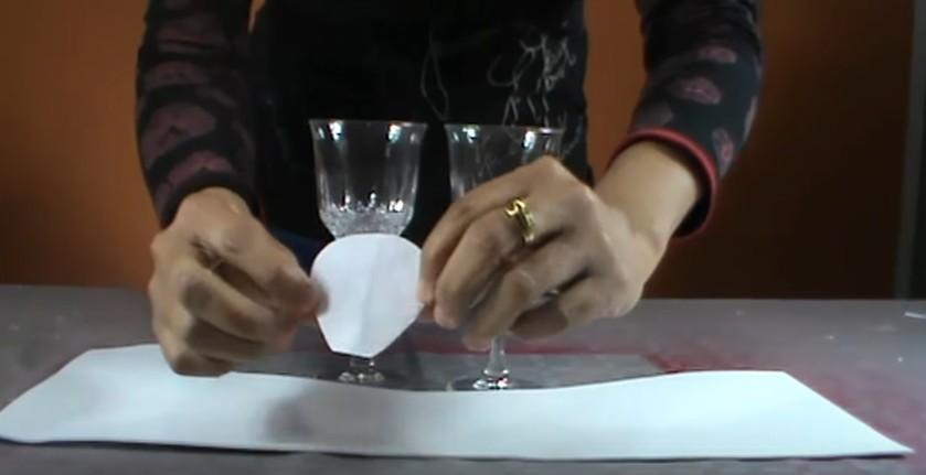 Copas de boda decorada con goma eva 1
