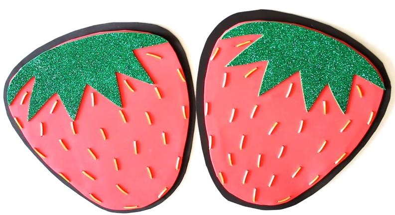 Bolso de fresa en goma eva 7