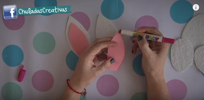 Ideas de dulceros de Pascuas con conejos de goma eva 5