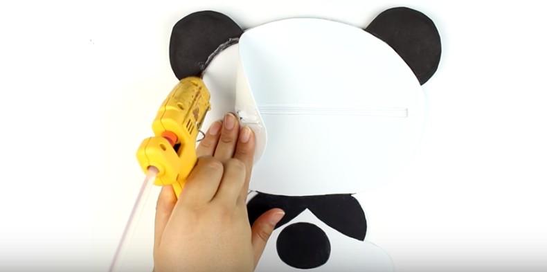 Portalapices con diseño de oso panda con goma eva 12